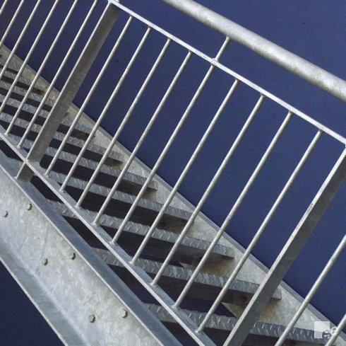 39 vertical 39 balustrades - Balustrade trap ...